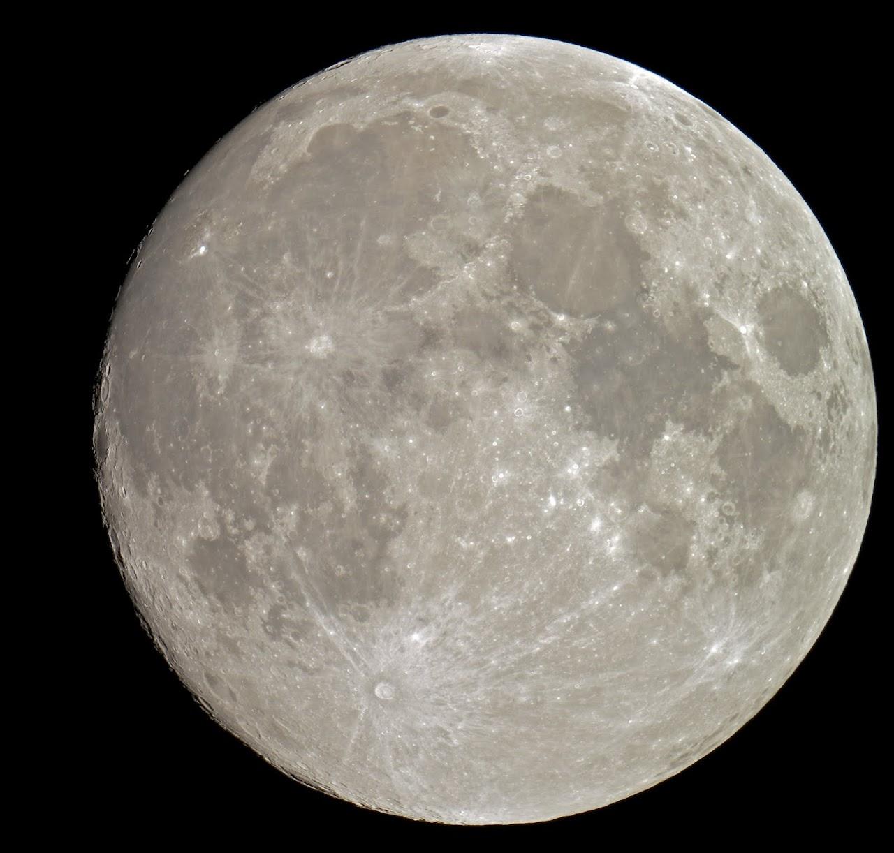 IMAGE: https://lh3.googleusercontent.com/-auQrdXKtmZk/Th6Kf_nLf0I/AAAAAAAANCI/arj5r_spHa4/s1280-Ic42/Moon2%2525207-13-2011.jpg