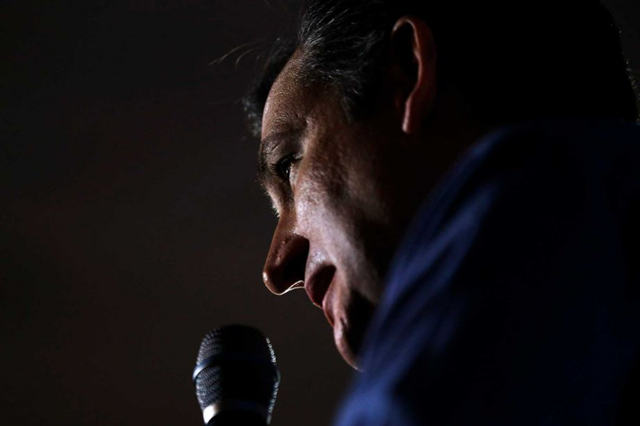 Republican presidential candidate, Sen. Ted Cruz, R-Texas, speaks during a campaign stop Wednesday, 20 January 2016, in Hollis, N.H. Photo: Matt Rourke / AP