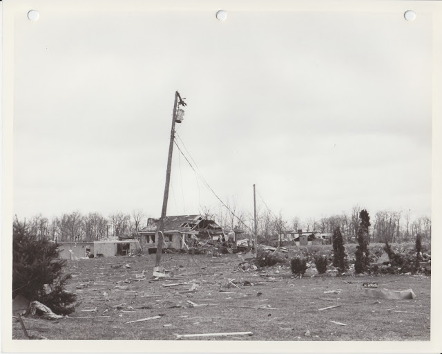 1976 Tornado photos collection - 55.tif