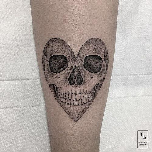 este_bonito_ouvir_em_forma_de_crnio_de_tatuagem