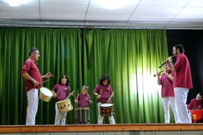 Audició Escola de Gralles i Tabals dels Castellers de Lleida a Alfés  22-06-14 - IMG_2357.JPG