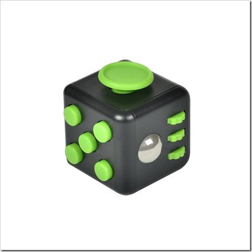 61yPntajaeL. SL1500 thumb%25255B2%25255D - 【ガジェット】「XeYOU Fidget Cube (フィジェットキューブ)ストレス解消キューブ」「Readaeer® CREE社製 CREE-T6搭載 超高輝度LED 懐中電灯」レビュー。【フィジェット/小物/LED】