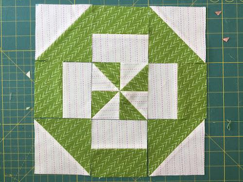 Block 1 - Disappearing pinwheel quilt sampler