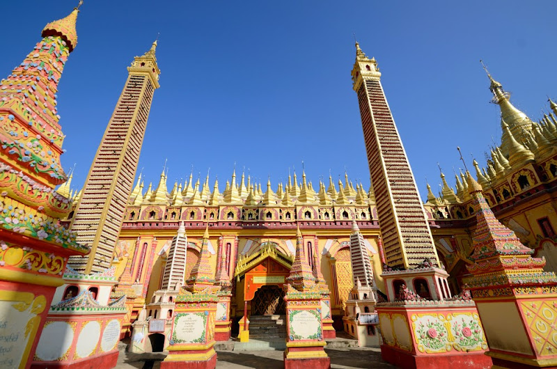 Thanbode Temple, with more than 500,000 images of Buddha