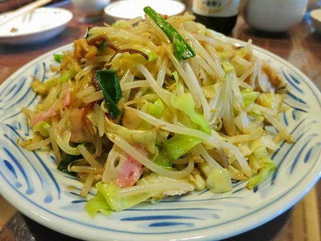 野菜タップリで麺が見えない博多皿うどん