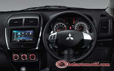 Mitsubishioutlander sport interior panel