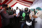 Kapolri dan Panglima TNI Apresiasi Vaksinasi Drive Thru di Medan