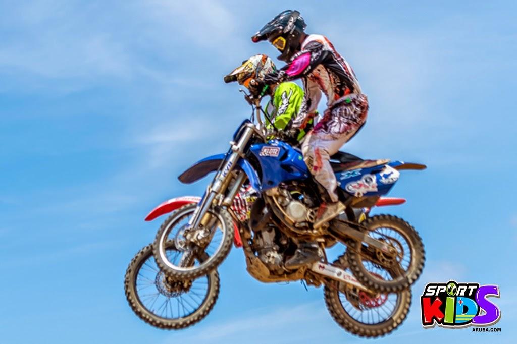 extreme motorcross Aruba - moto%2Bcross%2BGrape%2Bfiled%2BApril%2B2015-36.jpg