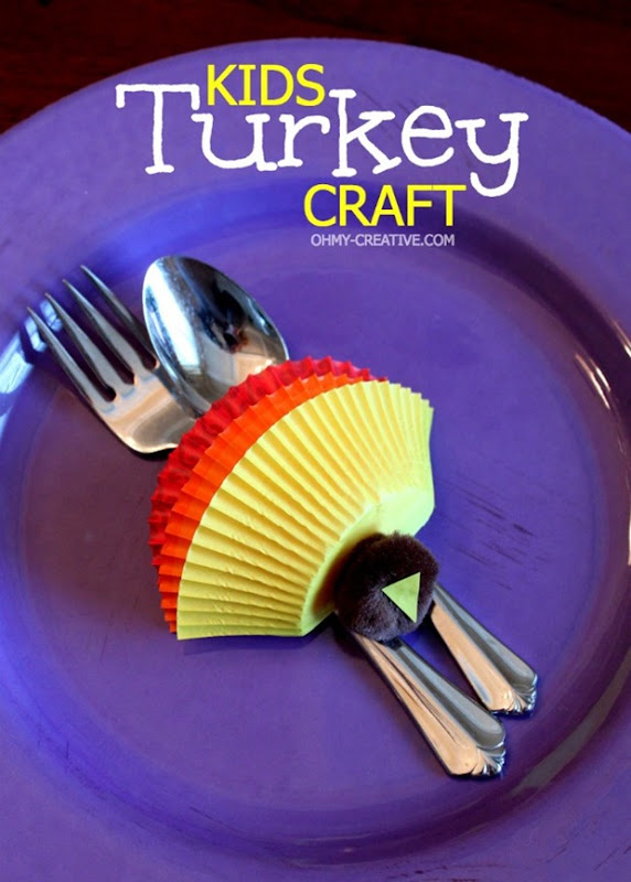 Kids-Thanksgiving-Turkey-Craft-OhMy-Creative.com_