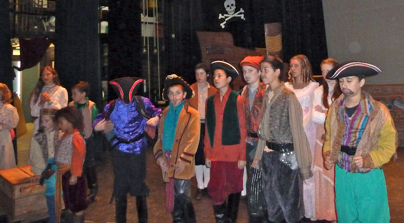 2012PiratesofPenzance - P1020357.JPG