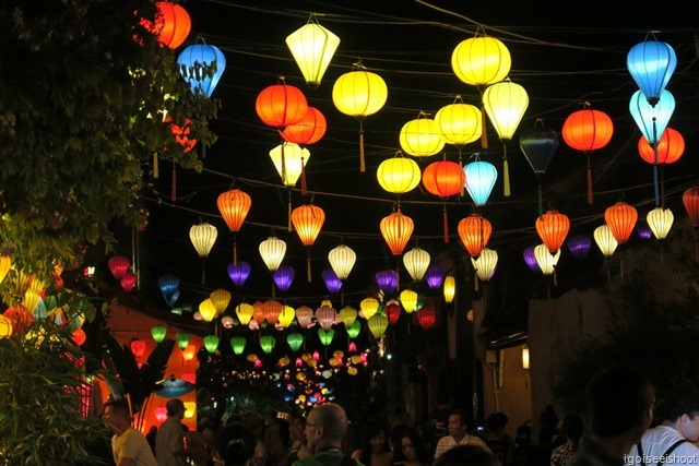 Enjoy the sights of the lanterns-lit ancient town