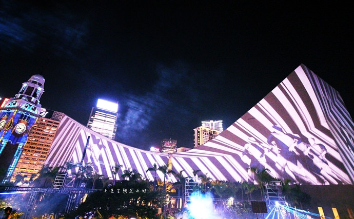 15 香港 閃躍維港 3D光雕匯演