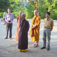 [DCQD-0502] Chuyến thăm phật tử cả nước 2006 - Huế (13/04/2006)