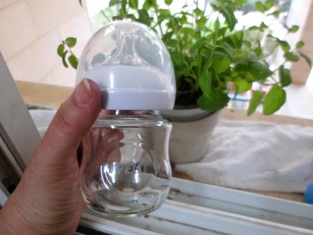 פיליפס אוונט מציגים בקבוק מזכוכית סטרילית להורים ר...