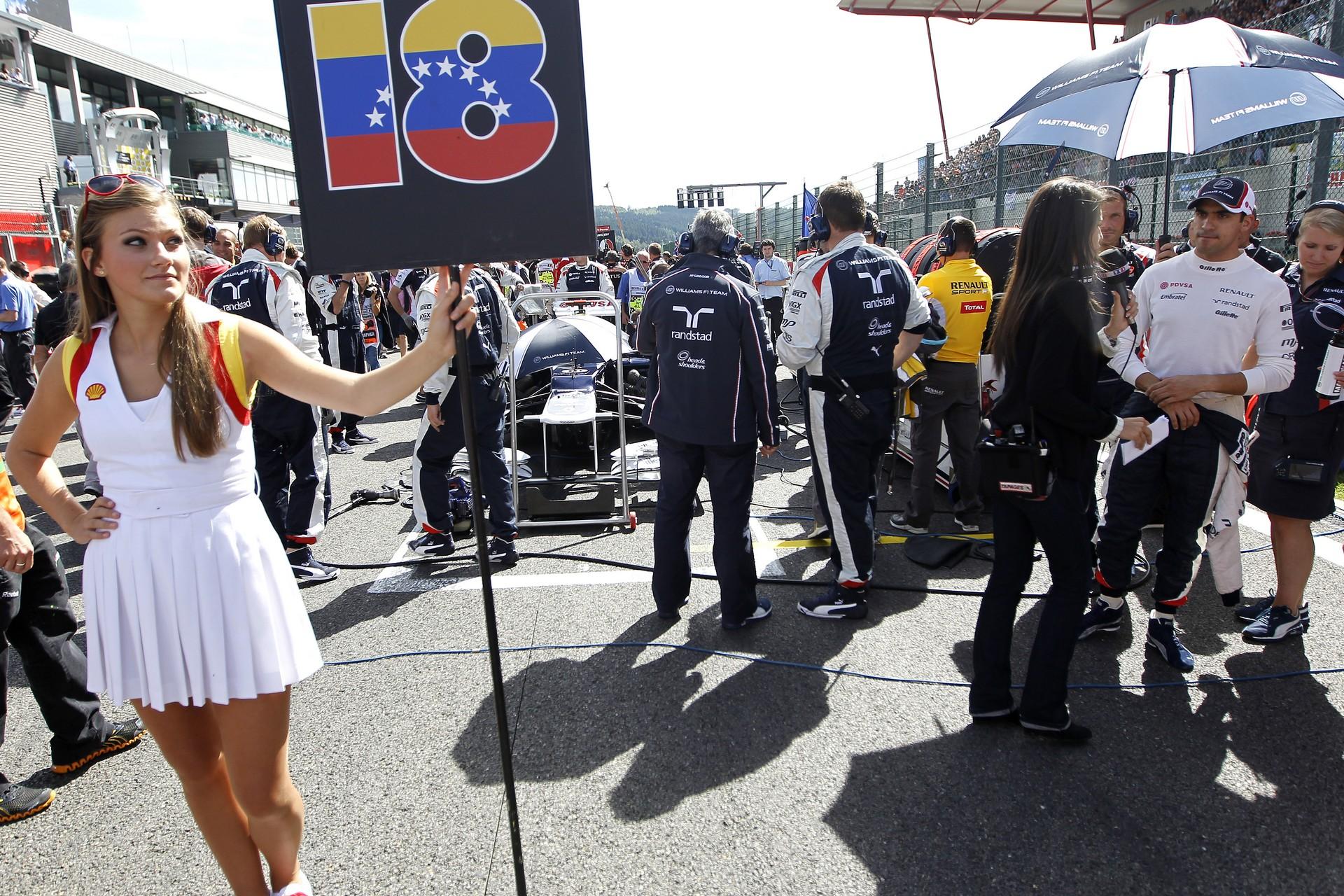 Schumacher Grid Girl Suomi