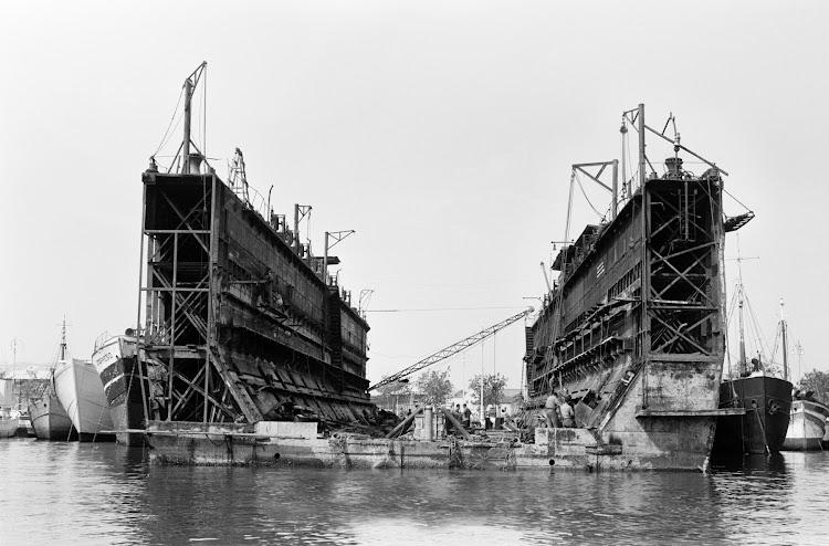 El dique flotante en Malaga. Foto Archivo UMA.jpg