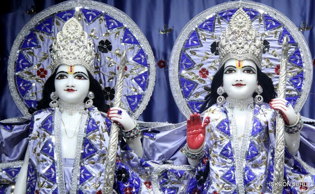 ISKCON Juhu Mangal Deity Darshan on 7th July 2016 (7)