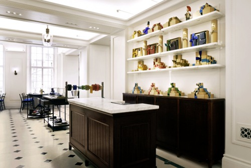 Burberry expands its Regent Street Flagship 8