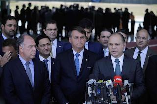 Governo Bolsonaro: Militares e Centrão na suspeita de corrupção