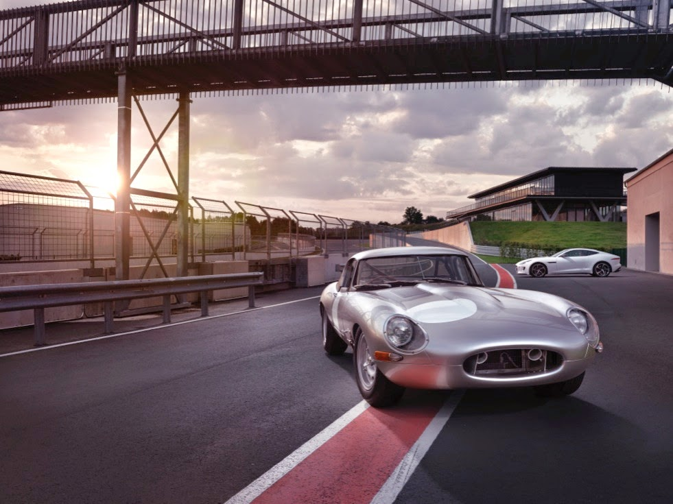 Jaguar Lightweight E-Types Hero_12