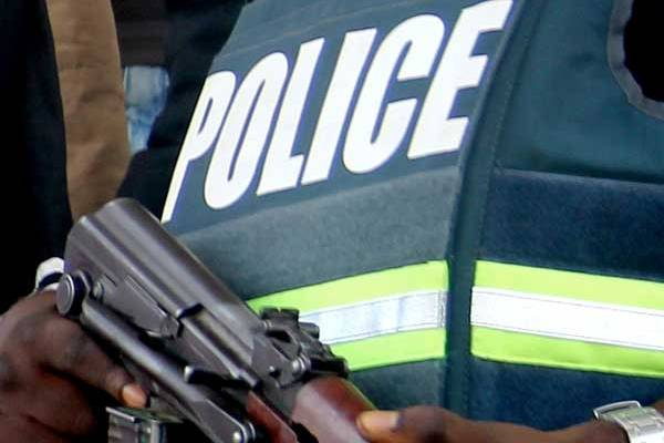 Re: Police Officer Storms Uyo Court With Armed Policemen, Snatches His Daughter