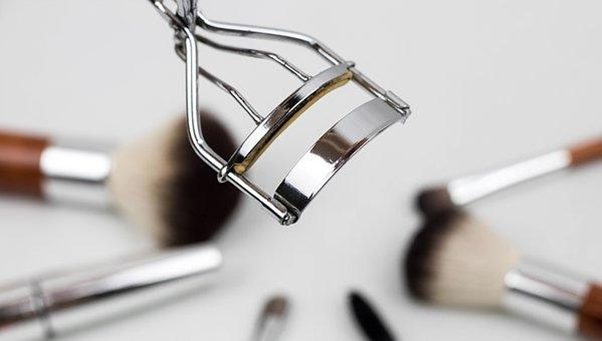 15 Pro Makeup Artist Tricks You Need to Know