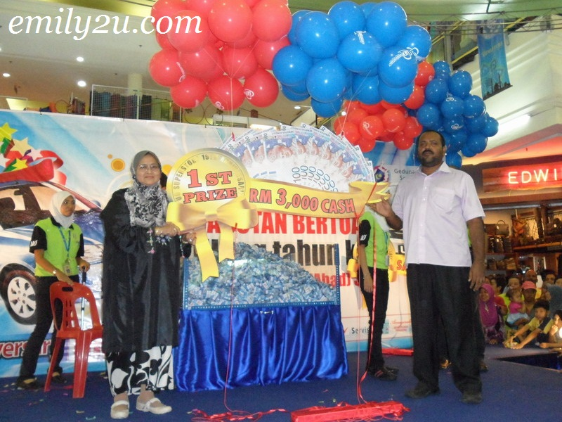 UO 19th Anniversary Lucky Draw Ipoh