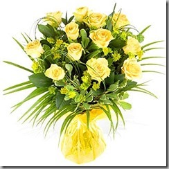 yellow_roses_in_vase