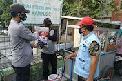 Kurangi Beban Warga Terdampak Covid-19, Polres Kepulauan Seribu Serentak Bagikan Bansos kepada 210 KK