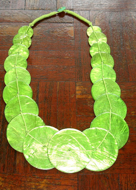 Green Mother-of-Pearl Necklace - Medallion