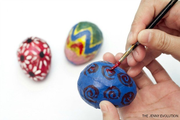 Decorate-Paper-Mache-Eggs