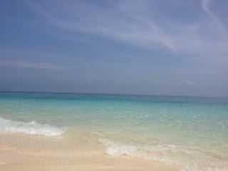 プーケットのバンブー島[白い砂浜と透明度の高い海]