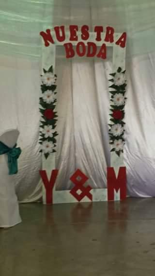 Como hacer adornos para bodas utilizando muebles de madera - Adornos para la casa ...