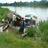 Embarquement sur le Rio Morona. Photo : Amazon Insects