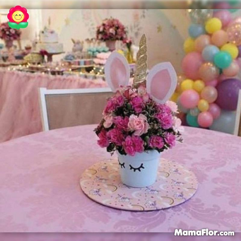 centros de mesa unicornios fiesta 13
