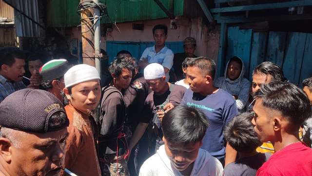 Tertangkap! Lihat Nih Penampakan Pria Pelaku Pembakar Mimbar Masjid Raya Makassar