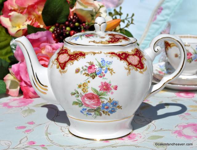 Tuscan Windsor vintage teapot