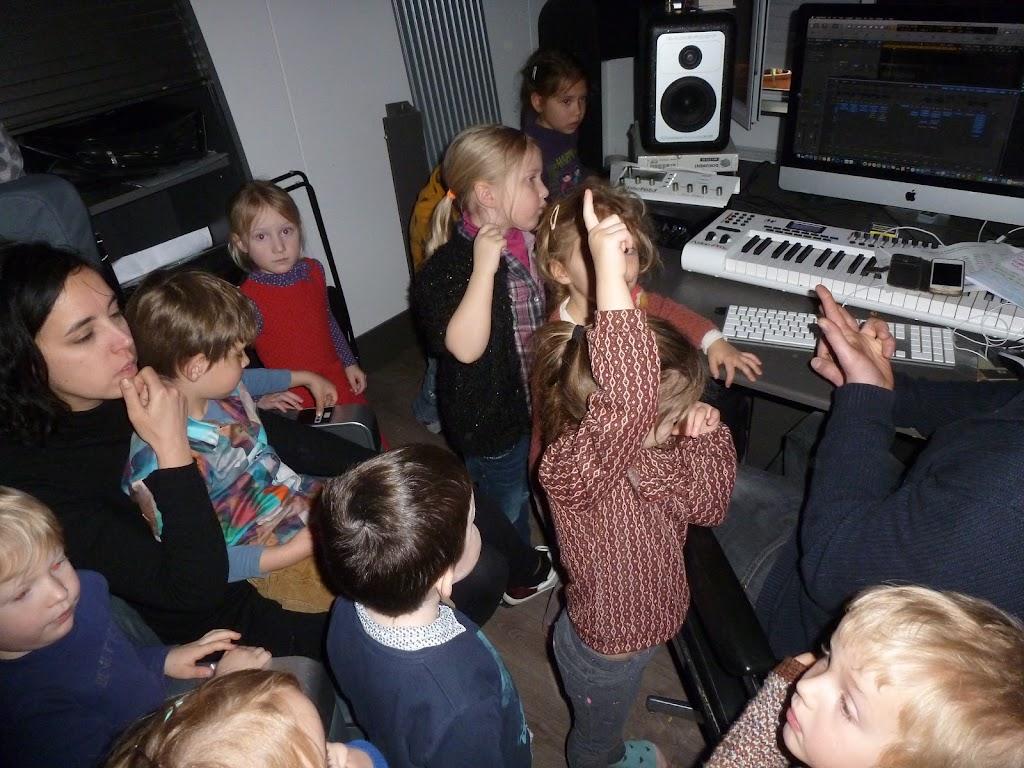 Leefgroep 1 op bezoek in een muziekkamer - P1080932.JPG