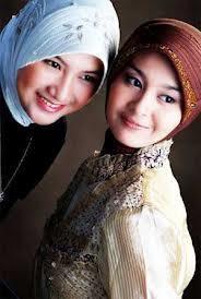 Bergaya dengan Hijab