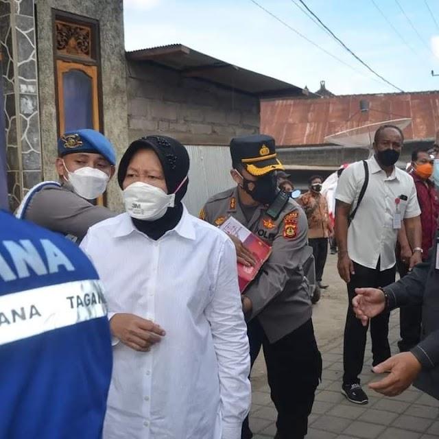 Menteri Sosial Tri Rismaharini Kunjungi Korban Gempa Dan Berikan Bantuan