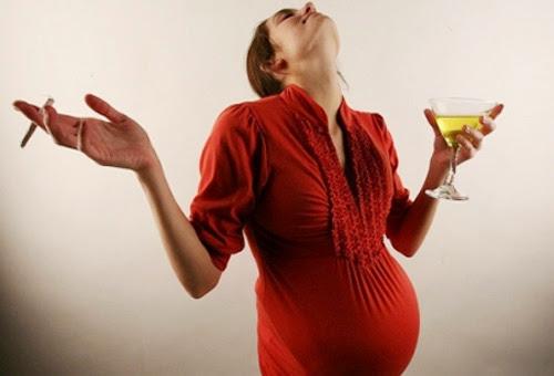 Phụ nữ có bầu nên kiêng ăn gì?3