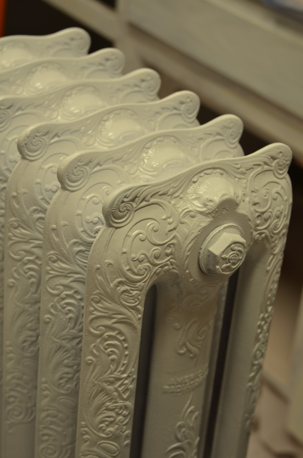 Laini Taylor's blog: Painting Cast Iron Radiators: ATTENTION! Use
