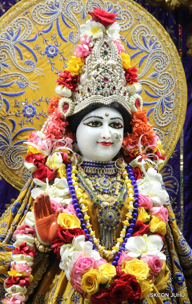 ISKCON Juhu Sringar Deity Darshan on 7th Sep 2016 (71)