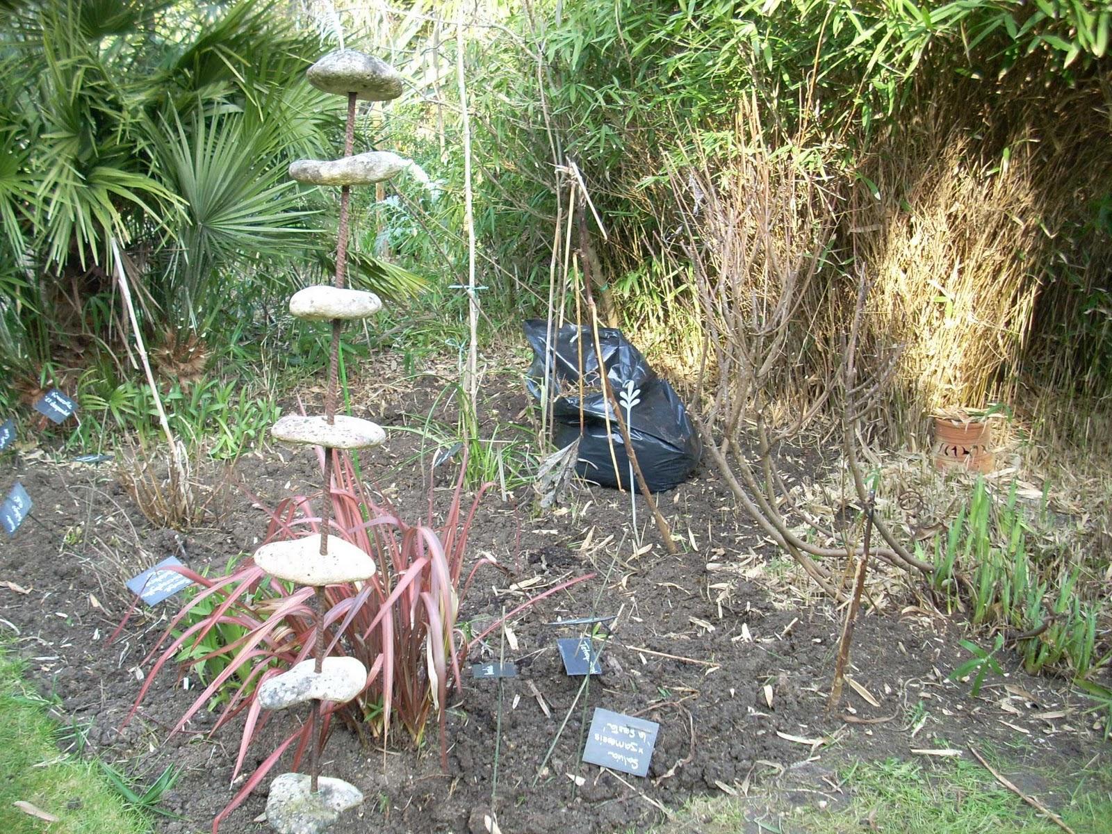 lutte contre le pleioblastus pumilus bambou nain les jardins botaniques de la boirie. Black Bedroom Furniture Sets. Home Design Ideas