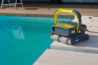 How pool cleaning robots can work you