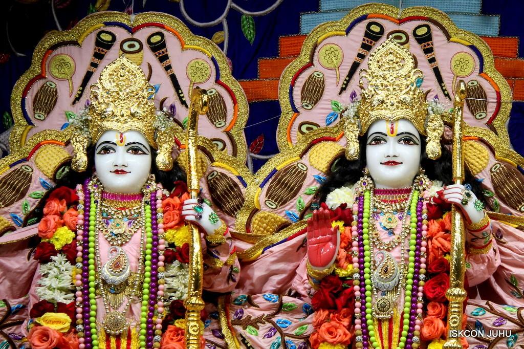 ISKCON Juhu Sringar Deity Darshan 10 Jan 2017 (59)