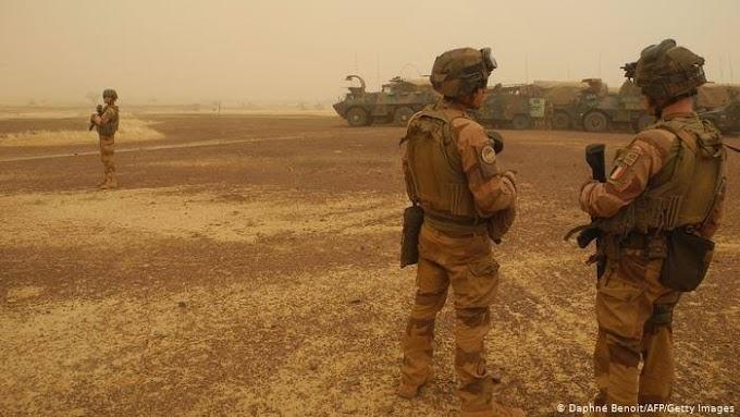 """Francia reducirá el número de sus tropas """"Barkhane"""" en el Sahel ante el aumento de ataques yihadistas."""