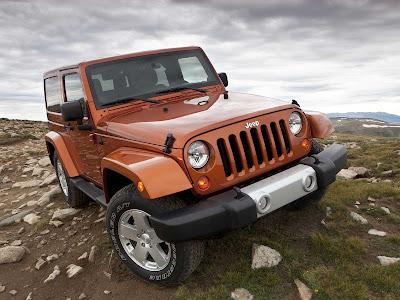 Jeep_Wrangler_2011_1600x1200_Front_Angle_01