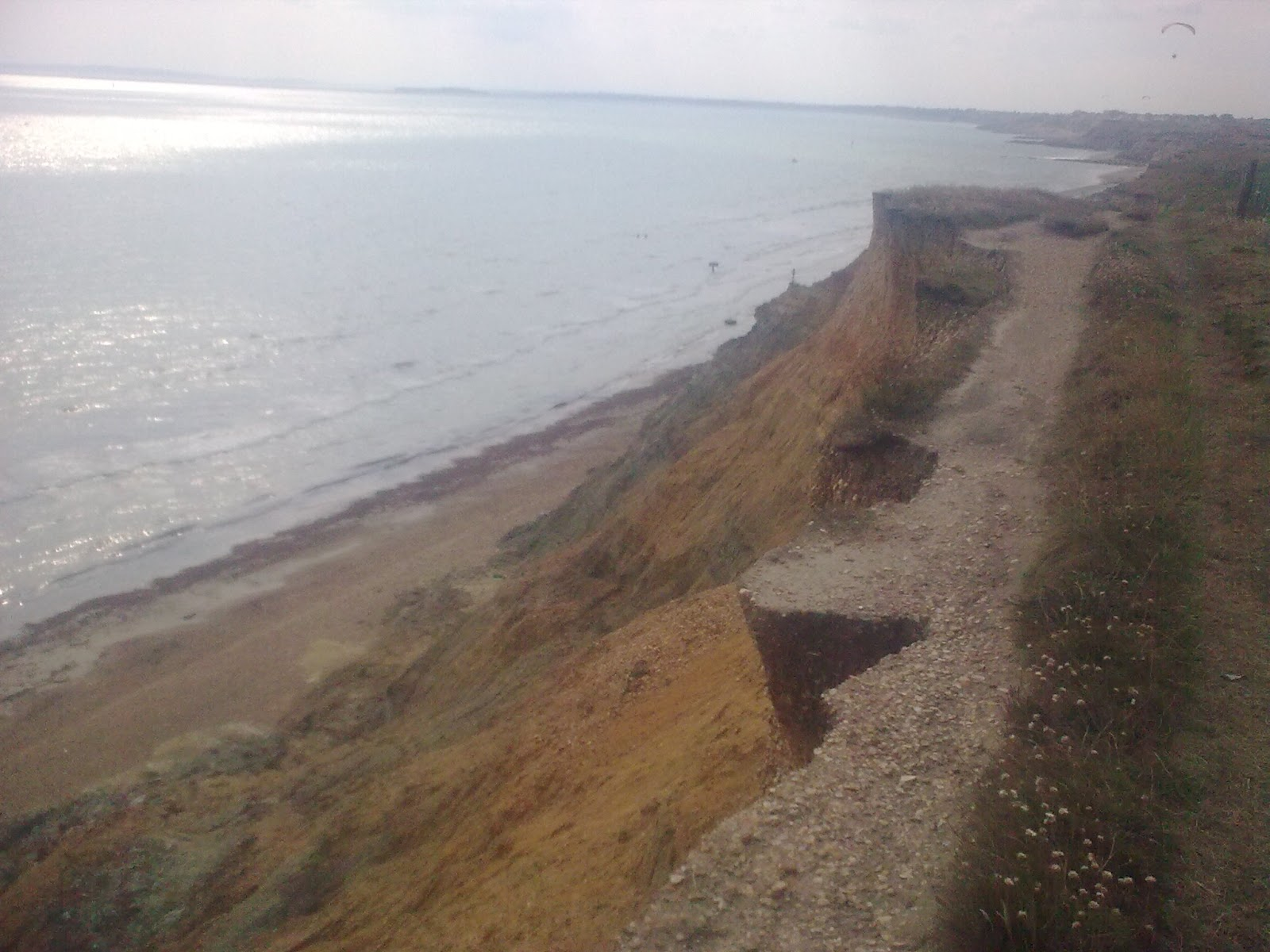 Image0327 eroding cliffs between Milford and Barton-on-Sea