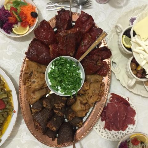İftar masaları, zeytinyağlılar, yöresel yemekler- sahra